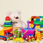 Il existe différents jouets pour les enfants.